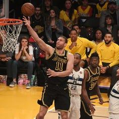 Bucks make Brook Lopez signing official