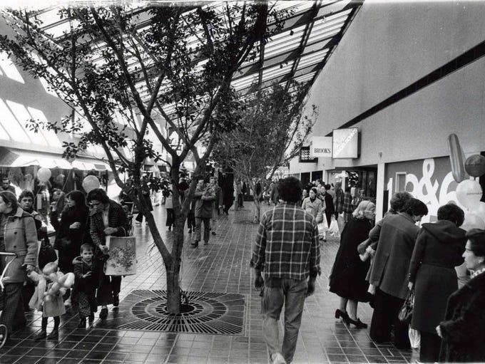 1974: Opening Ceremonies of Paramus Park Mall.