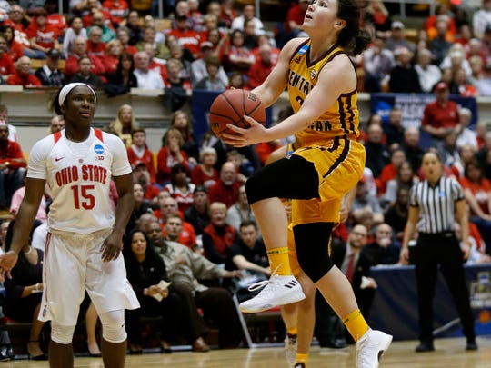 Central Michigan guard Presley Hudson, right, goes up to shoot against Ohio State guard Linnae Harper during the first half of a second-round game in the NCAA women's college basketball tournament in Columbus, Ohio, Monday, March 19, 2018. (AP Photo/Paul Vernon)