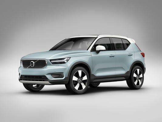 636441097705169743-2019-Volvo-XC40-SUV-40.JPG