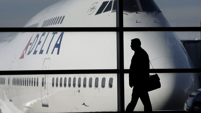 Passengers at 10 airports serving thousands of Iowans daily have filed nearly 900 claims over five years about damaged, lost or stolen luggage, records show.