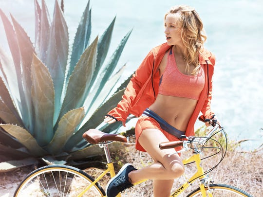 Fabletics, the athleisure brand co-founded by actress Kate Hudson, will open a store at The Mall at Green Hills next month.