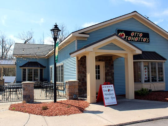 Otto Tomotto's Good Italian Restaurant is located at