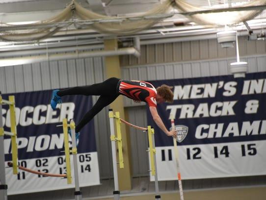 Crestview's Michael Kochenderfer clears 15 feet to