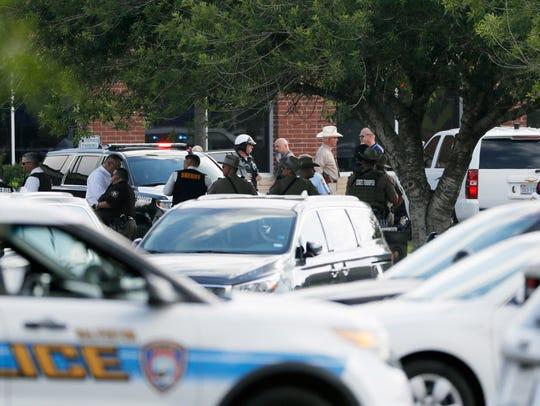 Un tiroteo el viernes en la escuela secundaria Santa