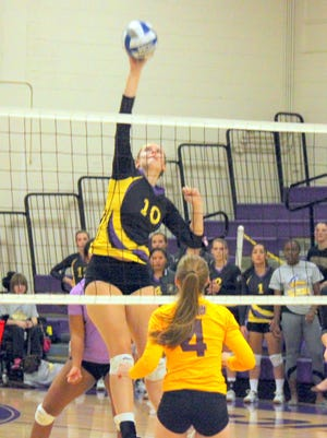 Western's Shannon Rich landed on the All-Academic squad for the second time in her career as she leads the Lady Mustangs with 66 total blocks this year.
