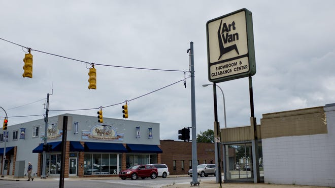 The former Art Van building sits vacant Wednesday, August 26, 2015 in downtown Port Huron.