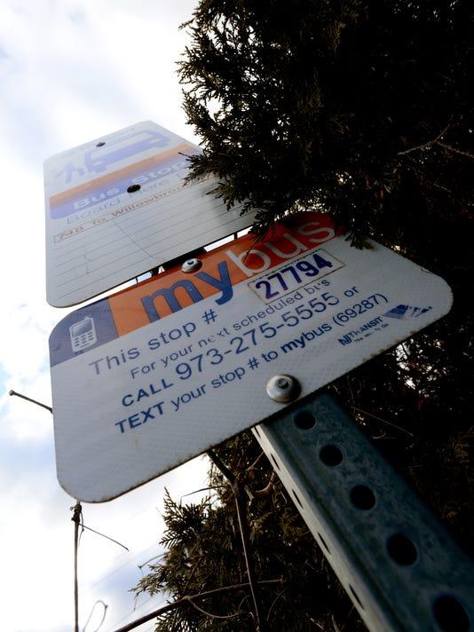 Bus-Stop03.jpg