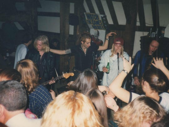 Jam sessions in the mid-'90s at the Bear's Den in Berkley were a key element in Kid Rock's development. Pictured at the left of Kid Rock is Vinnie Dombroski of the Detroit alt-rock band Sponge.