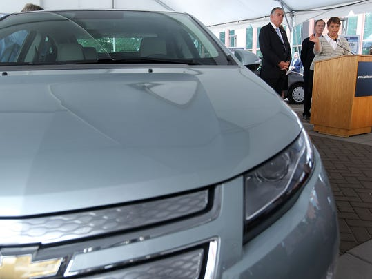 Transportation Secretary LaHood And EPA Head Jackson Make Fuel Economy Announcement