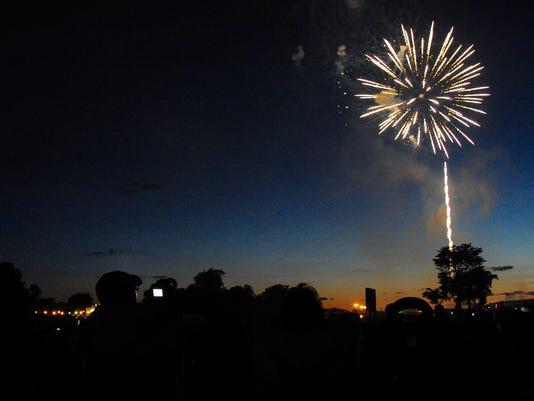 THIS ONE jmo-Fireworks-9284.jpg