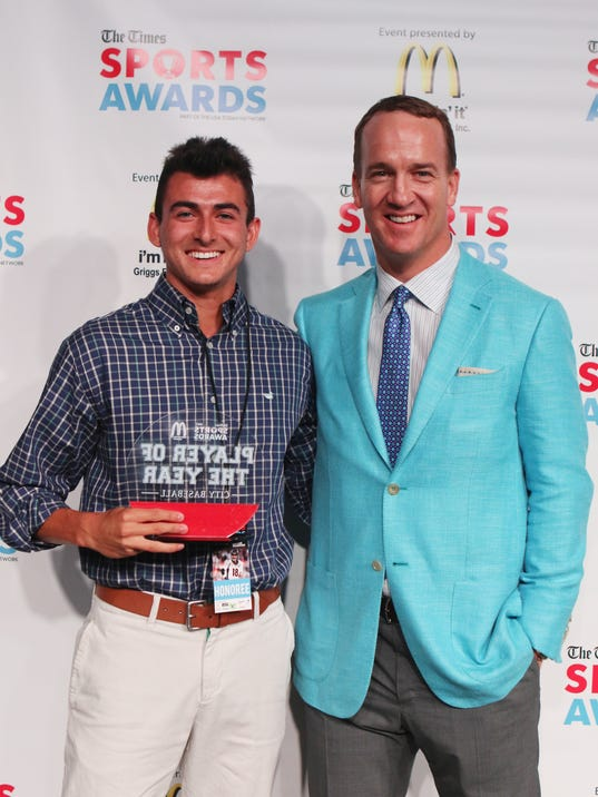 636304993672629881-20170515-PeytonManningAwardsPhotos-109.JPG