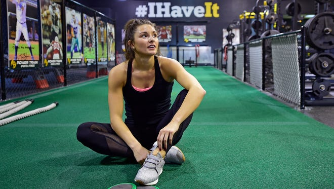 """Hannah Durbin, a senior at Elon University, works out at Power Train Mechanicsburg over her Thanksgiving Break. Durbin began battling anorexia in 2013, and says she's been fully recovered for a year and a half. She now uses her experience to inspire others through her """"Healthy Happy Hannah"""" social media accounts and website."""