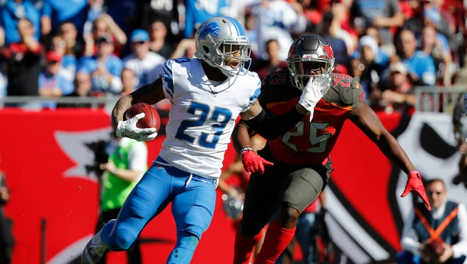 Dec 10, 2017; Tampa, FL, USA; Lions cornerback Darius Slay recovers a fumble against the Buccaneers in the first half at Raymond James Stadium.