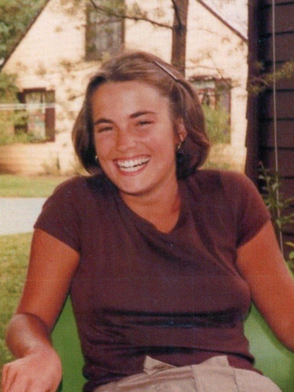 Elizabeth Andes' friends remember her easy-going smile,