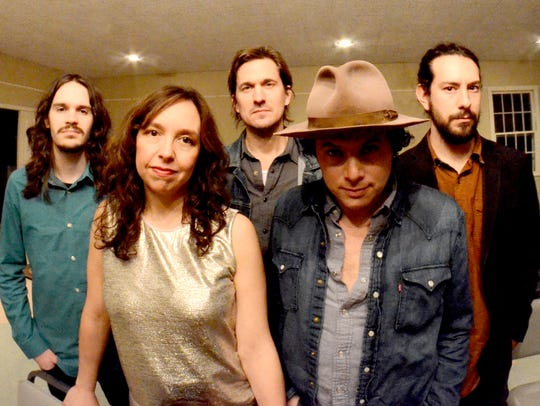 The Mammals, led by Mike Merenda and Ruth Ungar, perform