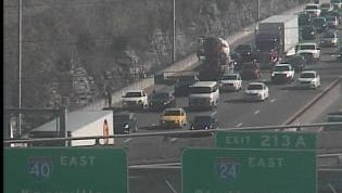 I-40 W crash near Fesslers Lane