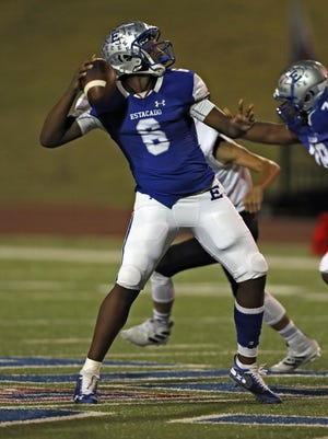 Estacado quarterback Jay'Lon Dobbins (6) threw for 2,181 yards and 21 touchdows last season. He's one of the top returnees from a 12-1 team.