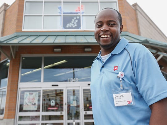 Pattie Bunch and her husband Louie Michael posted a photo on Facebook of Walgreens employee Dwayne Cordner raising his customer service. The post has been shared about 550 times and has more than 1,300 likes.