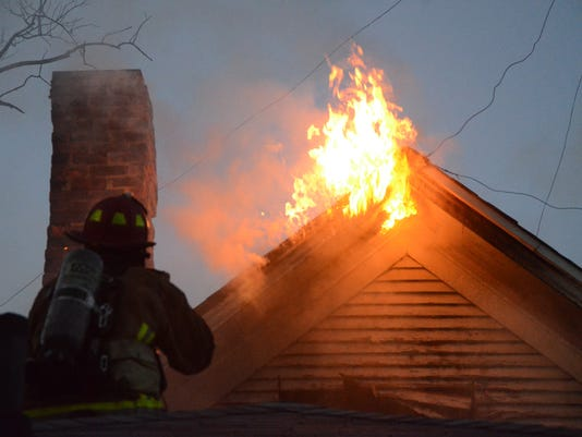 636074990640882944-fatalfire06.jpg