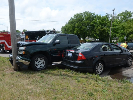 Police & Fire: Two-vehicle crash on East Columbia Avenue