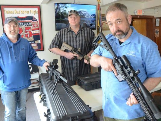 636576738691813333-guns01.jpg