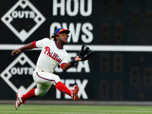 Pirates_Phillies_Baseball_27979.jpg