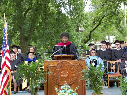 Gwen Ifill spoke at the 2006 Wilson College commencement.