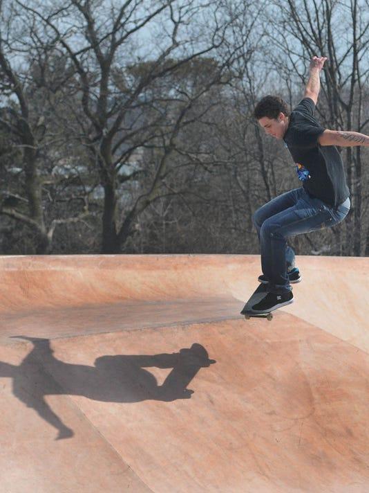 -DCN 0318 skateboard park 2.jpg_20150316.jpg