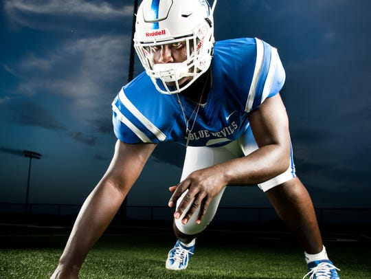 Lebanon defensive end Zion Logue was No. 7 on this year's Tennessean Dandy Dozen.