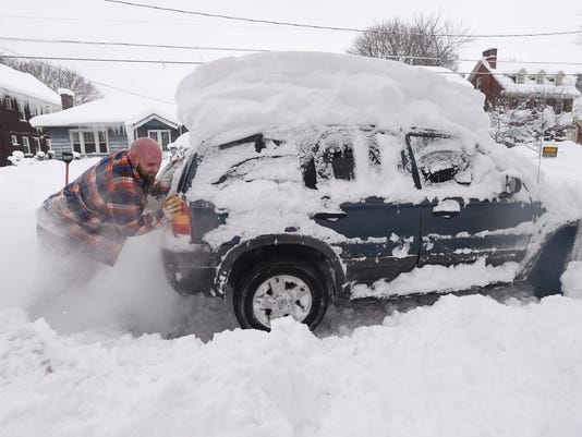 8 Things You Shouldn T Leave In Your Car In Subzero Weather