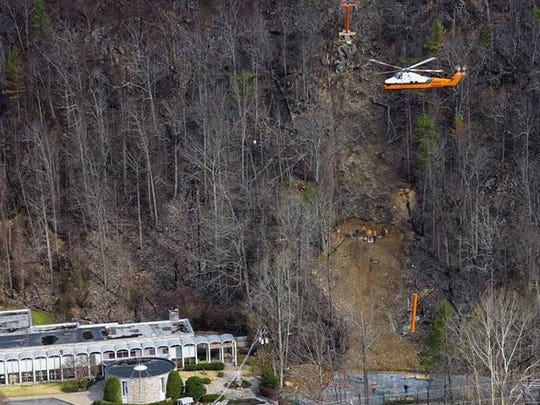 Parts for the Gatlinburg Sky Lift are flown up Crockett
