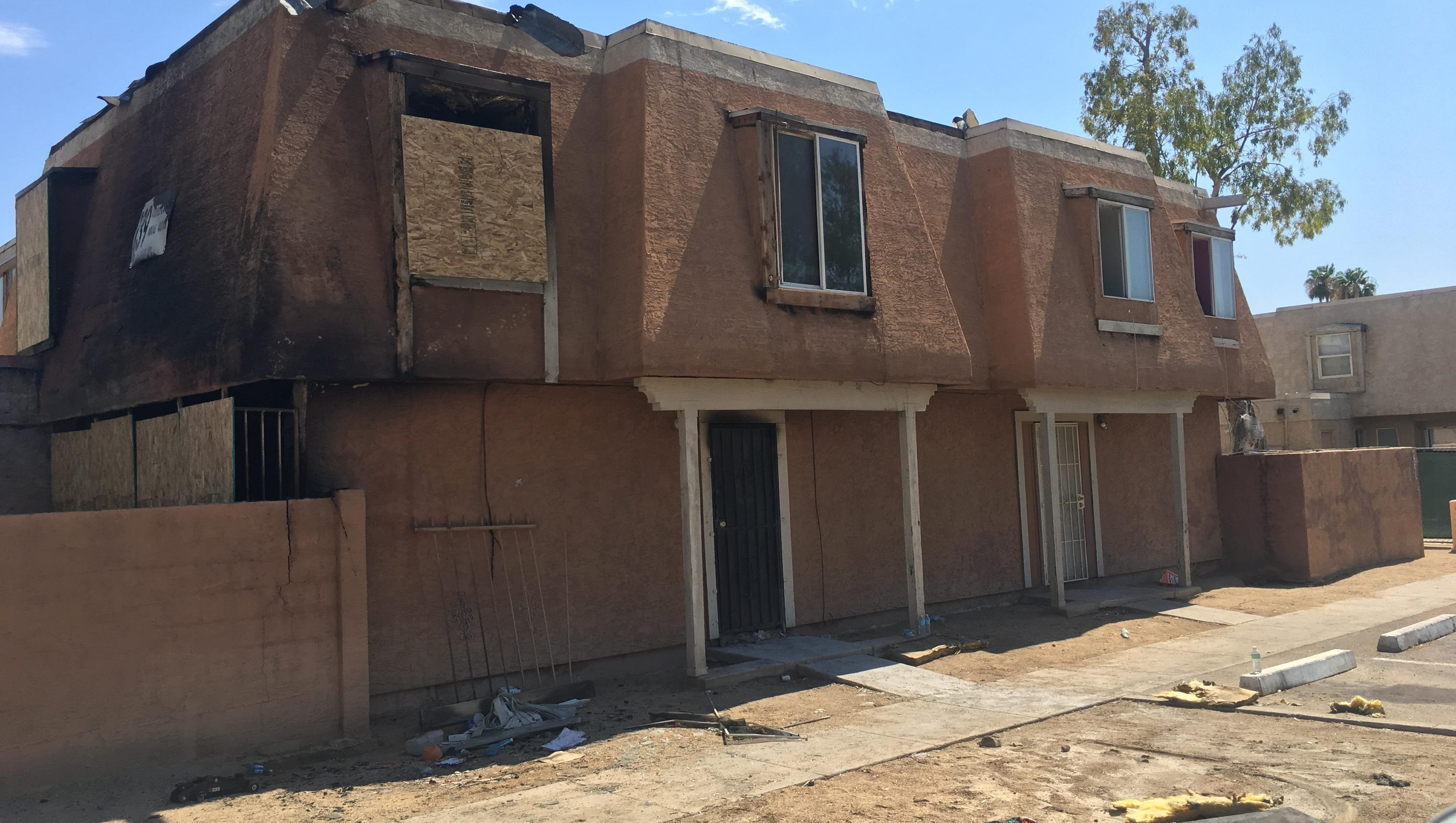 one killed in phoenix apartment fire, several injured