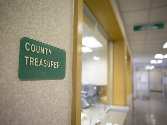 IMG_SPJ_County_Treasurer_1_1_Q7DEL52G.jpg_20160213.jpg