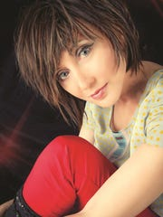 Country music singer Pam Tillis will perform a free concert Saturday during the Harvest Music Festival in downtown Corning.
