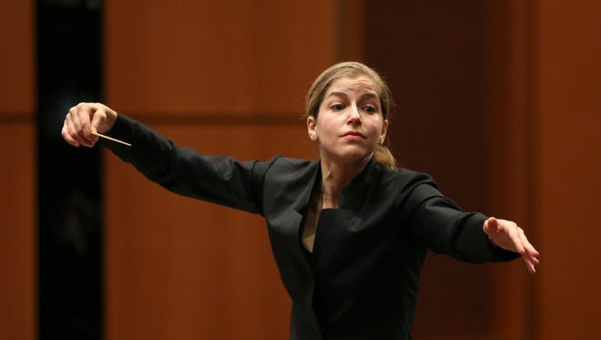 Guest conductor Karina Canellakis returns to lead the Milwaukee Symphony this weekend.