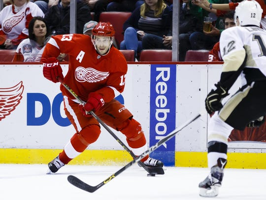 The Red Wings' Pavel Datsyuk set up Mike Green in the third period, cutting the Pens' lead to 4-2.