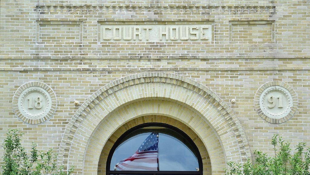 636545379761652254 courthouse front 2393 1024x581  jpg?width=1024&height=579&fit=crop&format=pjpg&auto=webp.'
