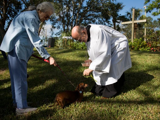 LEDE_1125_BLESSING OF THE PETS 01