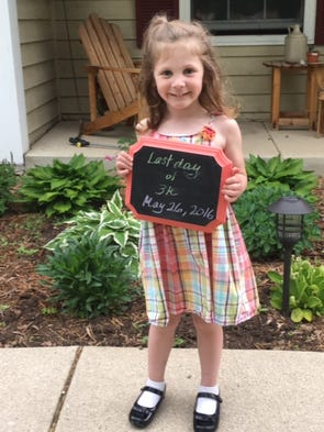 Aww, she looks adorable on her last day of the school