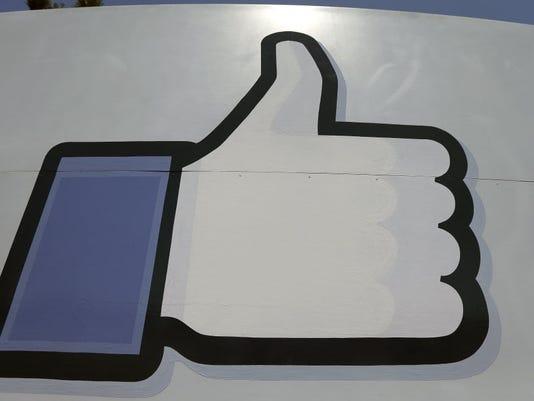 635779253942121672-FacebookLike