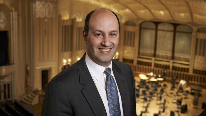 Gary Ginstling will resign as CEO of the Indianapolis Symphony Orchestra to become executive director of the National Symphony Orchestra.