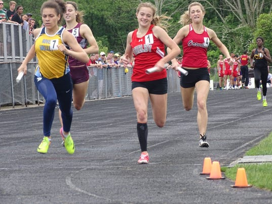 River Valley girls track 4x400 relay