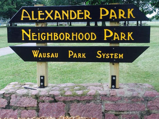The spelling on the Alexander Park sign is correct