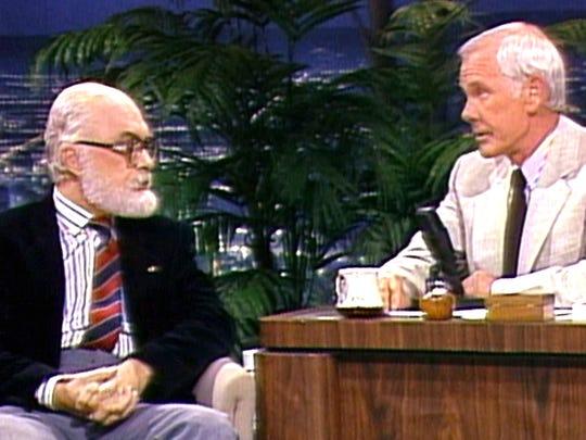 "James Randi (left) and Johnny Carson on ""The Tonight"