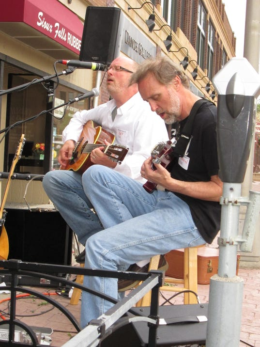Jeff Thomson (L) and Kevin Gross (R).jpg