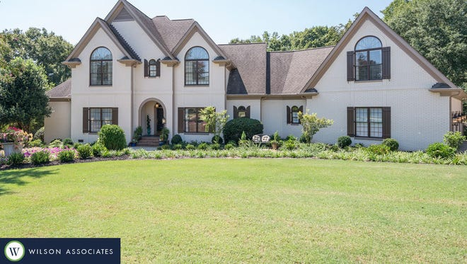 101 McAlister Lake. Luxury Living photo provided by Blair Miller, Realtor Associate, Wilson Associates Real Estate. Contact information: blair@WilsonAssociates.net Mobile: 864.430.7708. http://www.wilsonassociates.net/