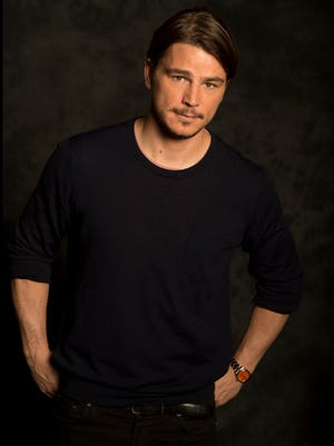 Josh Hartnett is going to be a dad, according to reports.