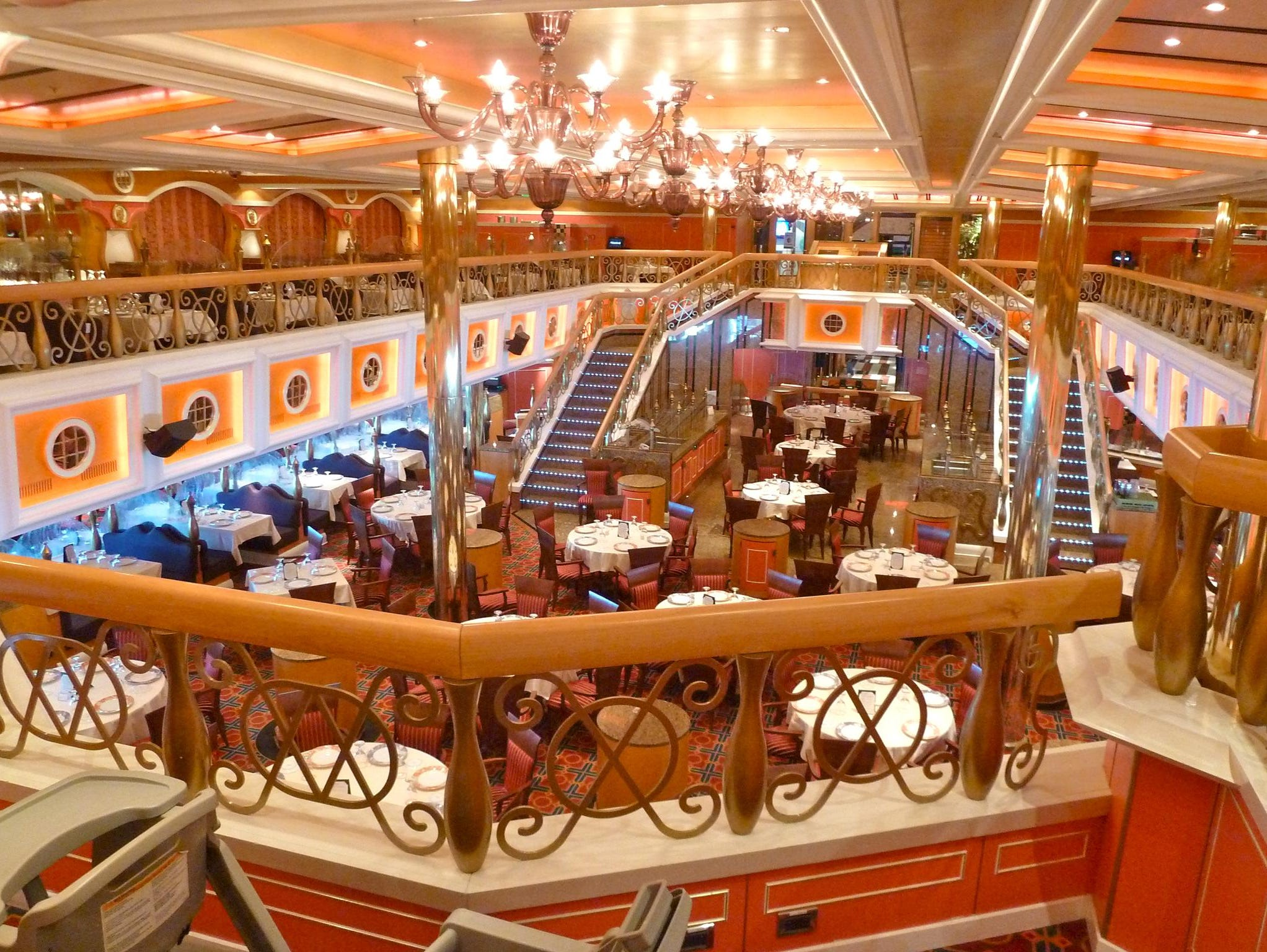 The 744-seat, colonial-themed Lincoln Dining Room is the more forward and slightly smaller of the two traditional dining rooms on the Carnival Valor.