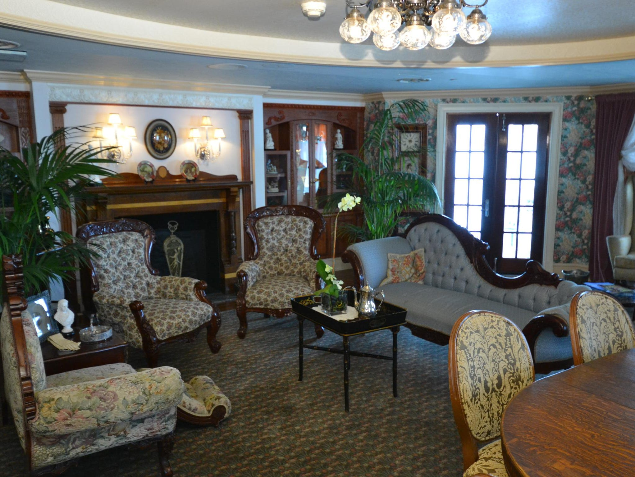 Located across from the Gentleman's Card Room is the Ladies Parlor.